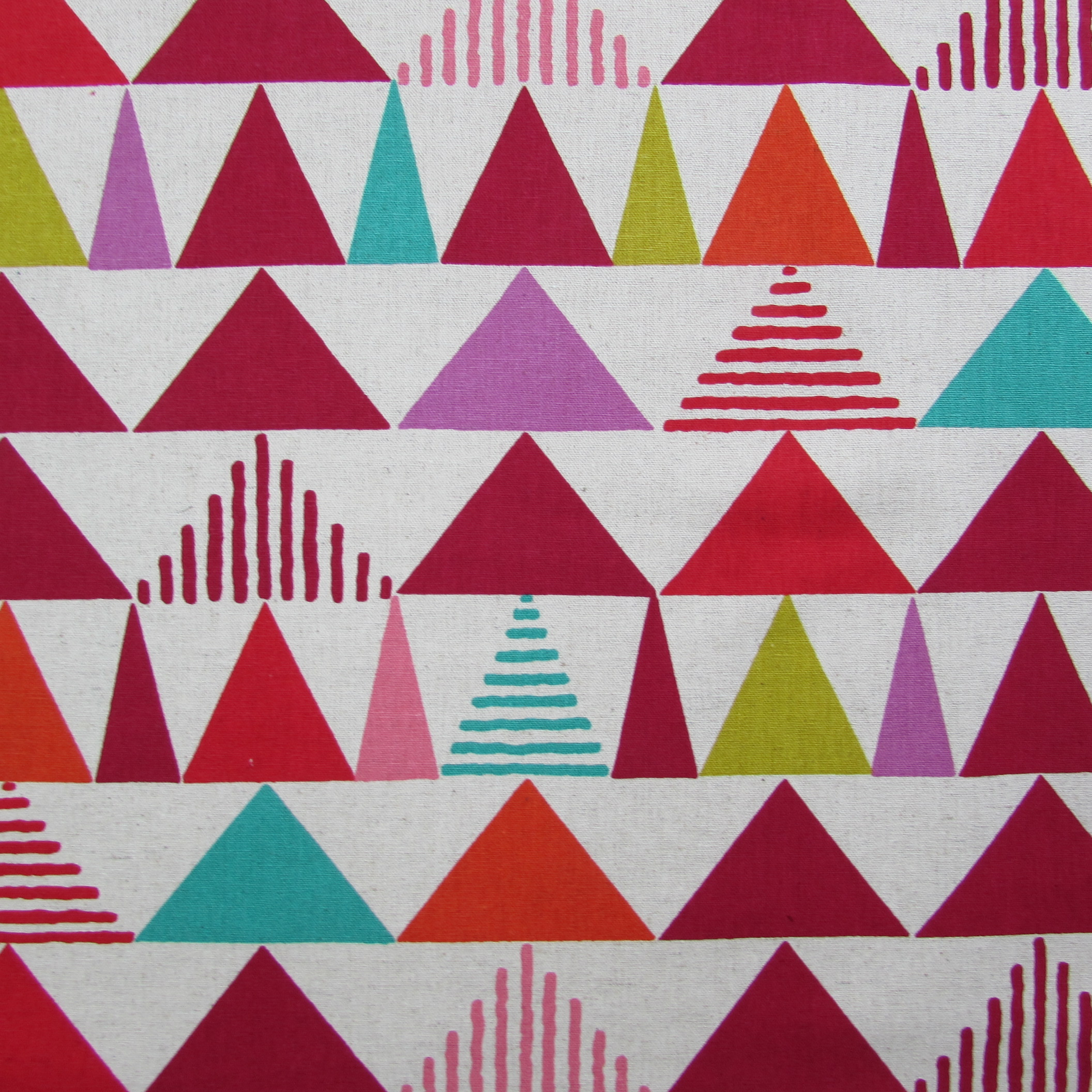 Triangles in Red fby Project