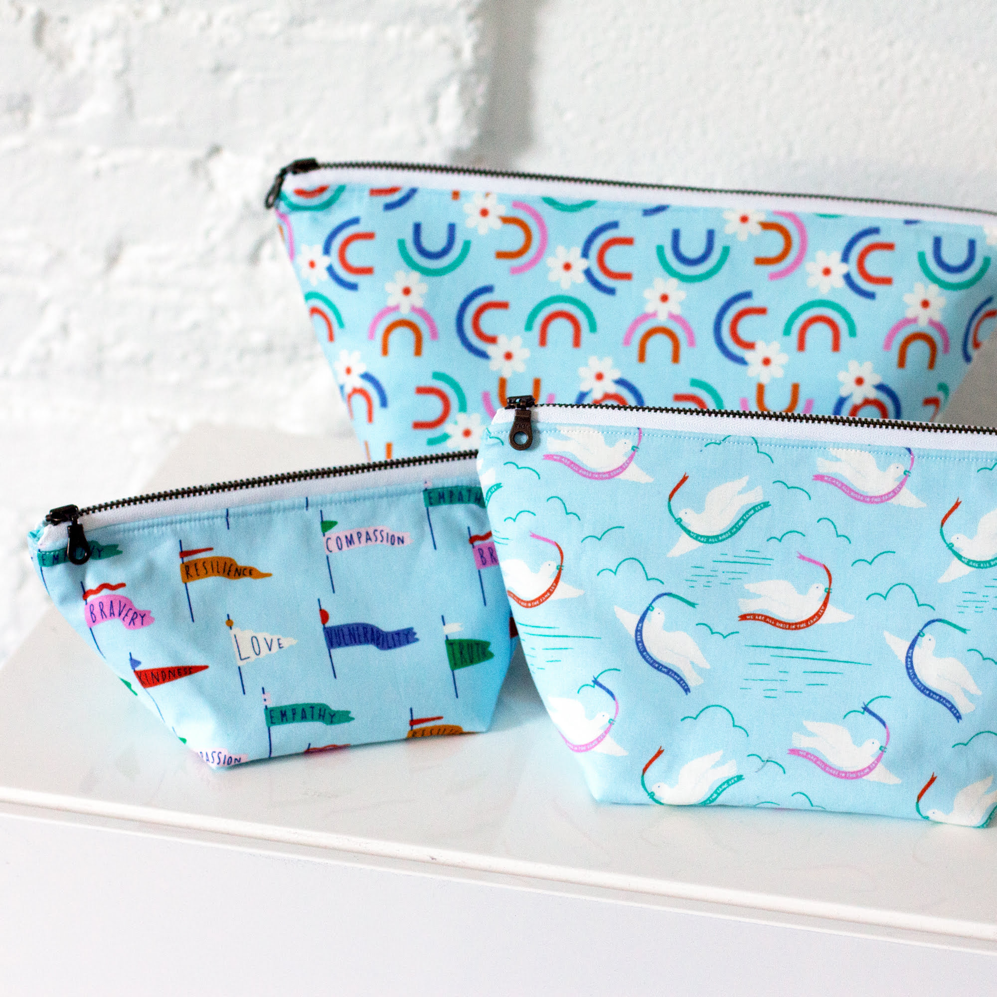 Open Wide Zippered Pouch by Noodlehead Free DIY Tutorial Sewing Pattern